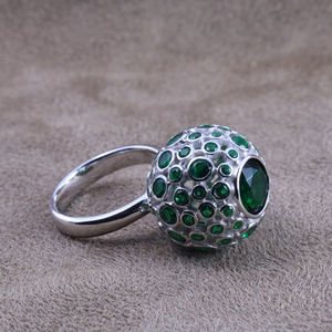 Jewelry - Fancy Emerald Green Ball Silver Ring Size 7